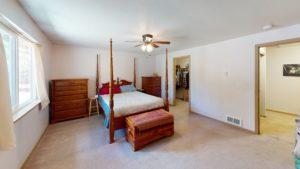 16168 Hawks Lair Rd La Pine OR Master Bedroom